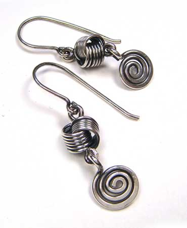 easy-wire-knot-and-swirl1