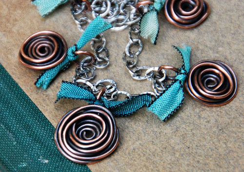 easy-wire-blue-spiral-roses