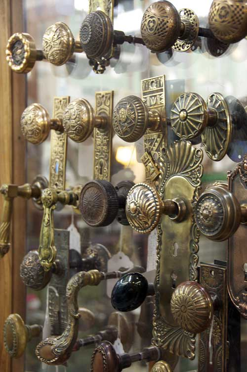 antique-door-knobs
