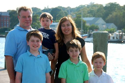 optimized-newengland_family-picture-in-mystic-ct-1