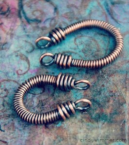 Coiled Horseshoe links by Cindy Wimmer